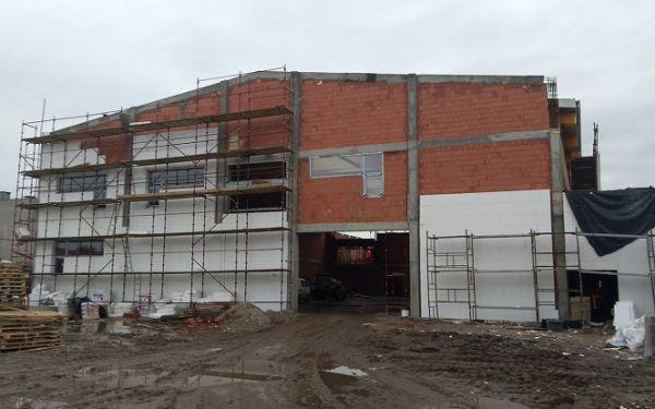 Sala gimnastyczna w Szkole Podstawowej nr 4 w Rawiczu w Zmieniamy Wielkopolskę w Radiu ESKA